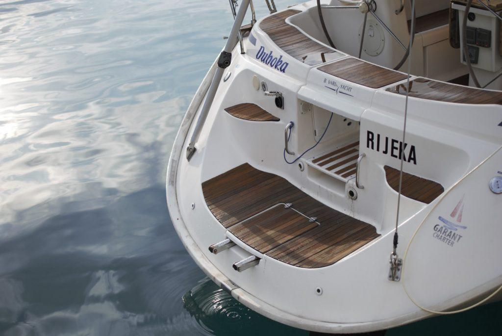 Serwis laminatu jachtu, obsługa oraz serwis motorówek i jachtów w całej Polsce.