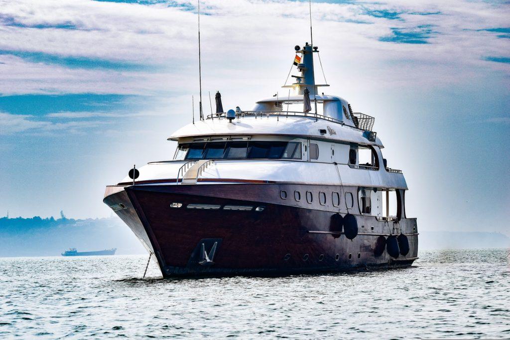 WARSZAWA BIAŁOŁĘKA - MECHANIK DLA JACHTÓW I SKUTERÓW WODNYCH - Serwis motorówek, jachtów, turbo doładowanych łodzi.